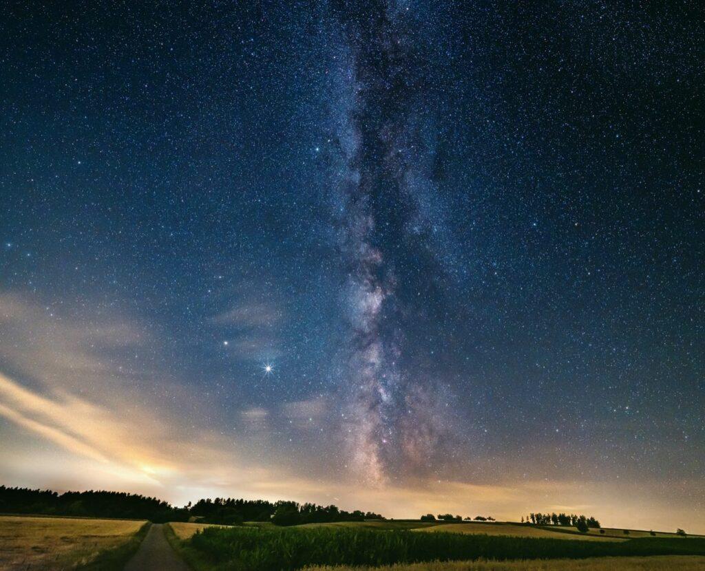 Die Milchstraße ist immer wieder ein schönes Landschaftsfoto